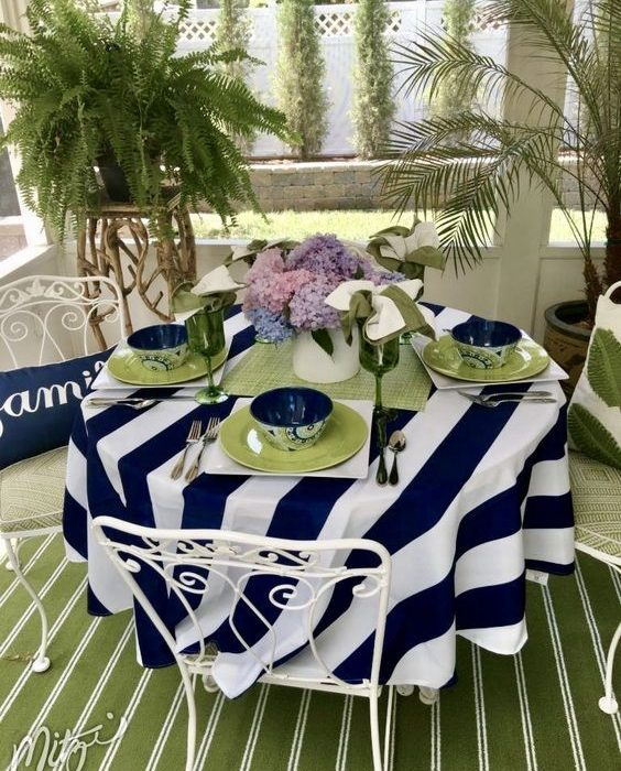 Lift Spirits by Dining Outside